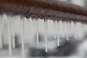 icicles-hanging-from-pipe